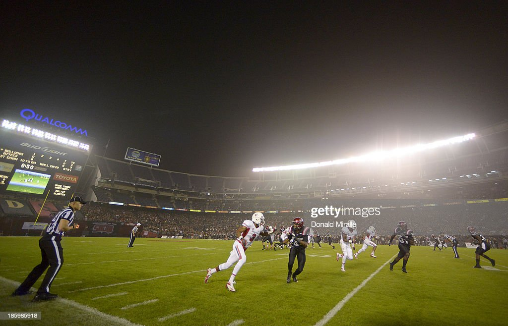 A general view of the Fresno State Bulldogs against the San Diego State Aztecs during their game on October 26, 2013 at Qualcomm Stadium in San Diego, California.