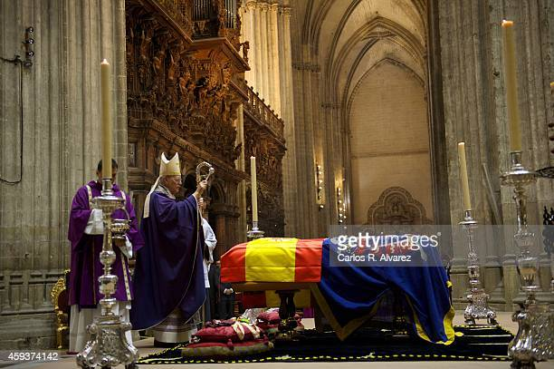 General view of the Funeral Service for the Spain's Duchess of Alba at the Sevilla's Cathedral on November 21 2014 in Seville Spain Maria del Rosario...