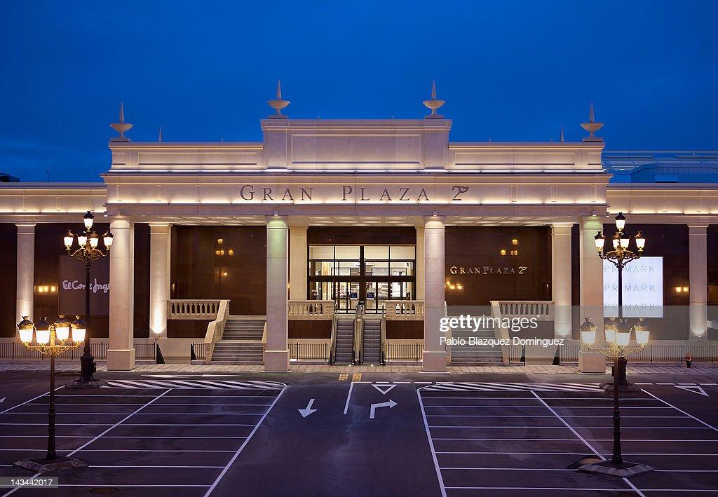 Laura sanchez inaugurates 39 gran plaza 2 39 mall getty images - Gran plaza norte 2 majadahonda ...
