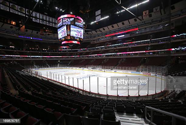 A general view of the ice rink at United Center prior to Game Two of the Western Conference Final between the Los Angeles Kings and the Chicago...