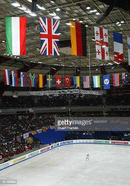 A general view of the ice rink during the ladies short skating program at the 2004 World Figure Skating championships at Westfalenhalle on March 26...
