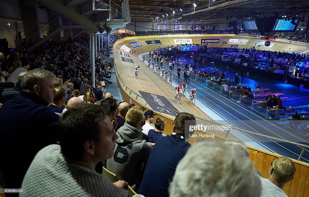 General view of the madison during day five at the Copenhagen Six Days Race Cycling at Ballerup Super Arena on February 8, 2016 in Ballerup, Denmark.