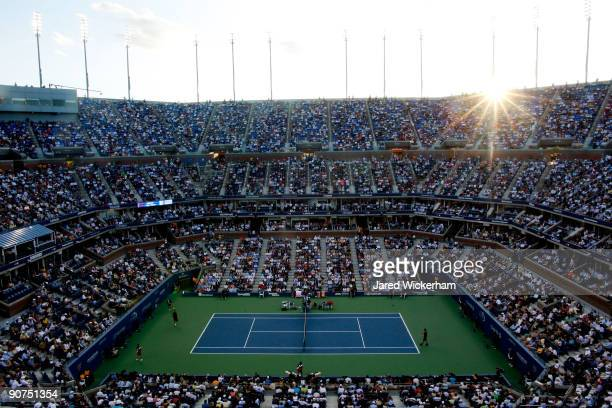 A general view of the Men's Singles final between Roger Federer of Switzerland and Juan Martin Del Potro of Argentina on day fifteen of the 2009 US...