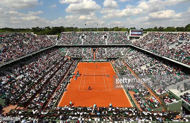 A general view of the Men's Singles second round match between Andy Murray of Great Britain and Mathias Bourgue of France on day four of the 2016...