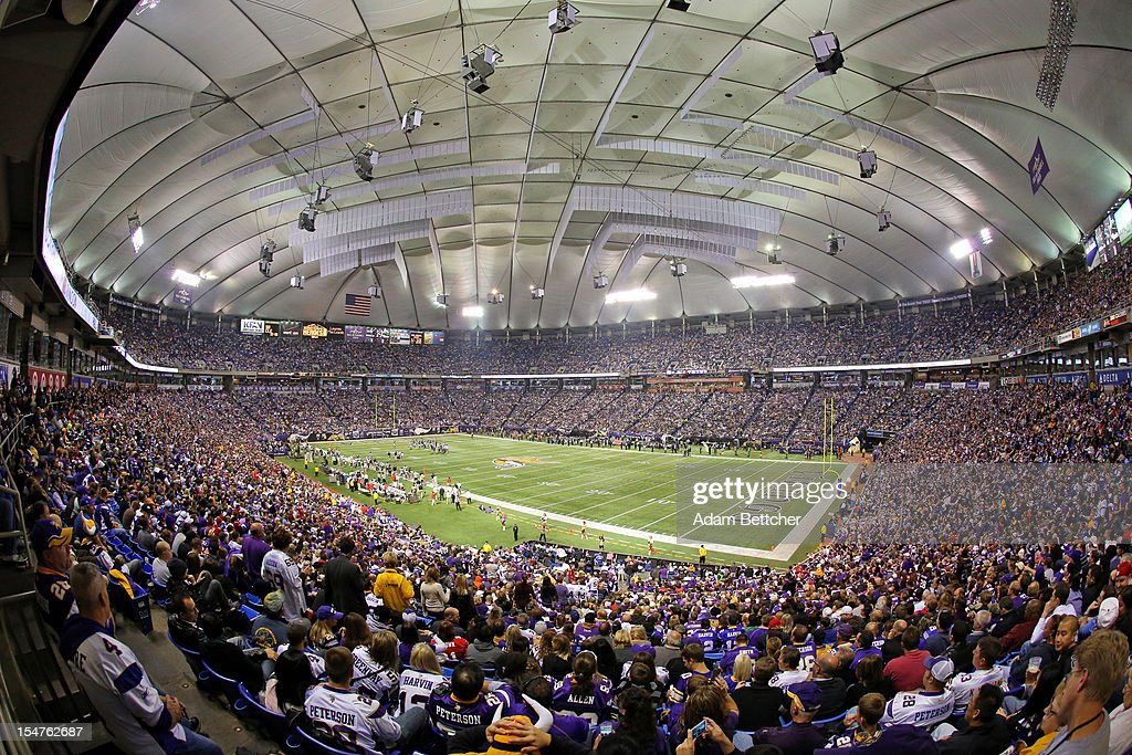 General view of the NFL game between the Tampa Bay Buccaneers and the Minnesota Vikings at the Hubert H. Humphrey Metrodome on October 25, 2012 in Minneapolis, Minnesota.