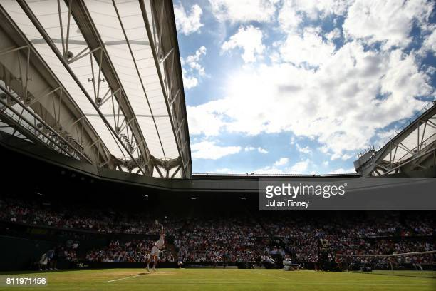 A general view of the play during the Gentlemen's Singles fourth round match between Andy Murray of Great Britain and Benoit Paire of France on day...