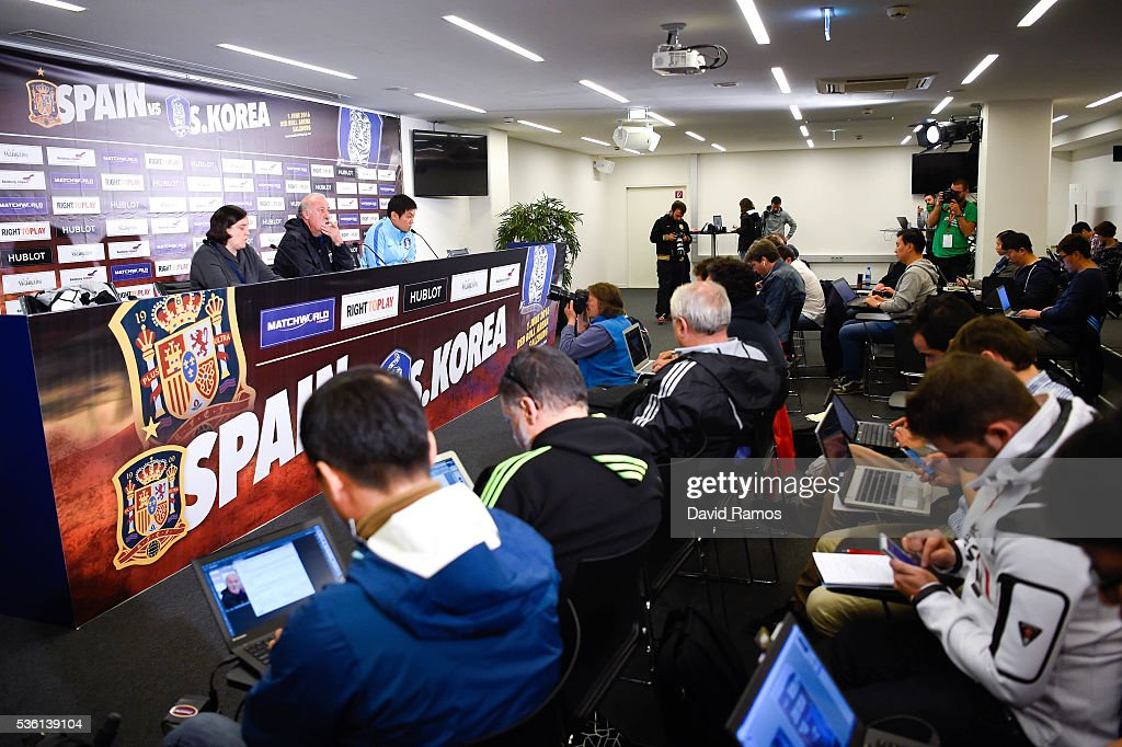 General view of the press conference of Head coach Vicente Del Bosque of Spain before a training session at the Red Bull Arena stadium on May 31, 2016 in Salzburg, Austria.
