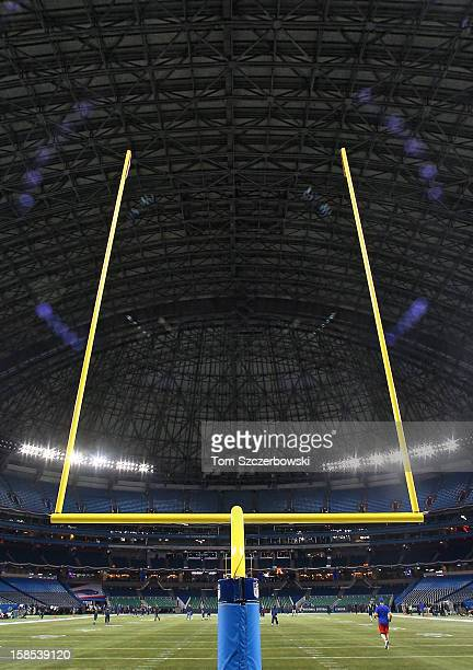 A general view of the roof of the Rogers Centre and the goalpost before the Buffalo Bills NFL game against the Seattle Seahawks at Rogers Centre on...