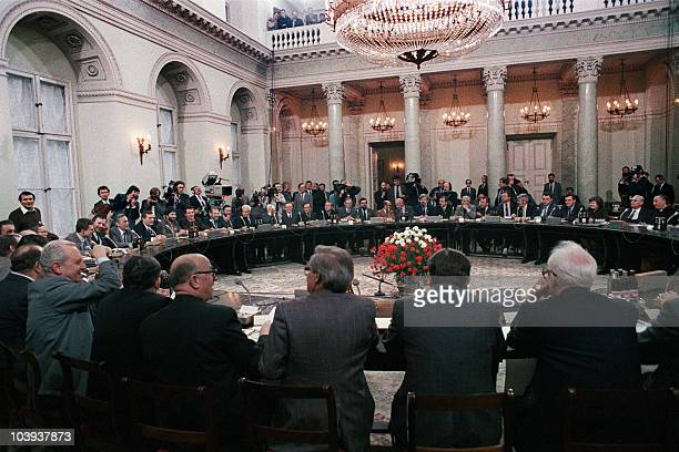 General view of the round table talks in Warsaw Poland on February 06 1989 between the Polish governement and the opposition The Polish Round Table...