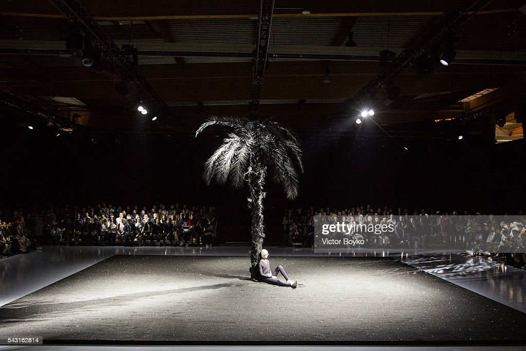 A general view of the runway during the Thom Browne Menswear Spring/Summer 2017 show as part of Paris Fashion Week on June 26, 2016 in Paris, France.
