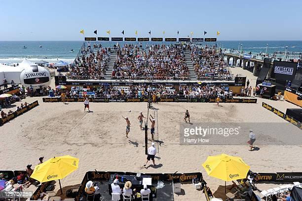 General view of the semifinal match between John Hyden and Sean Scott against Matt Prosser and John Mayer during the Manhattan Beach Open at...