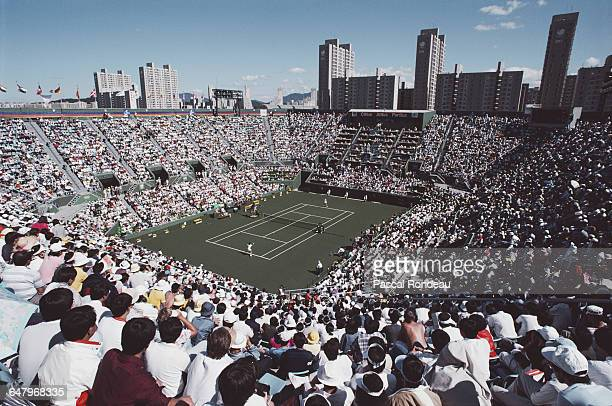 General view of the stadium as Gabriela Sabatini of Argentina returns against Manuela Maleeva in their Women's Singles Semi Final match on 29...