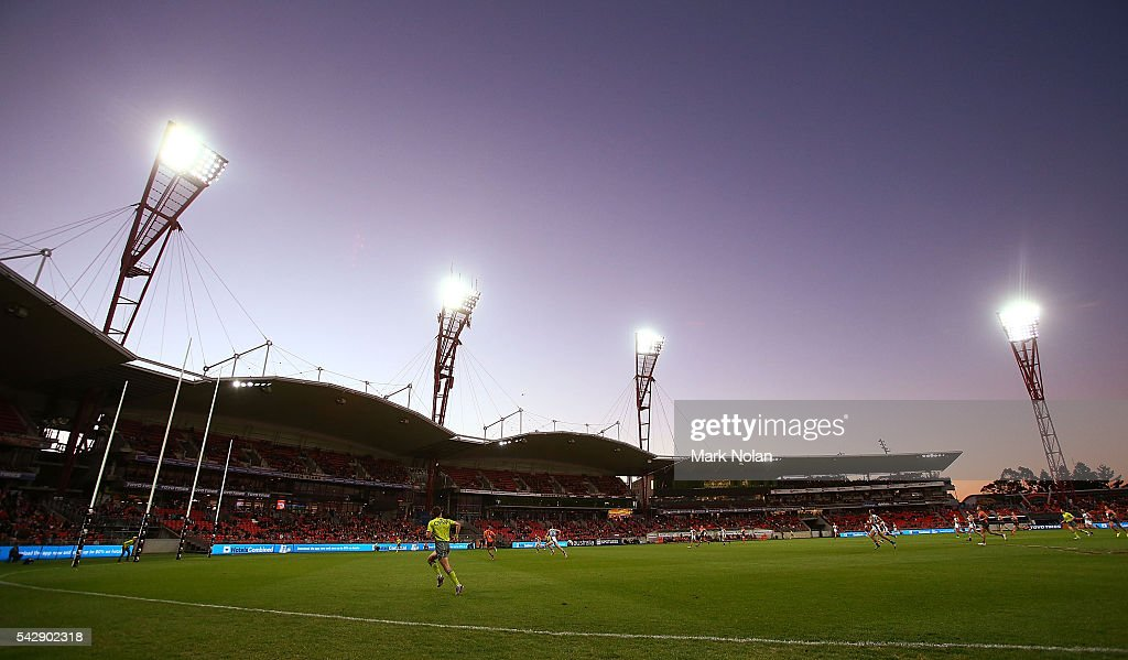 A general view of the stadium during the round 14 AFL match between the Greater Western Sydney Giants and the Carlton Blues at Spotless Stadium on June 25, 2016 in Sydney, Australia.