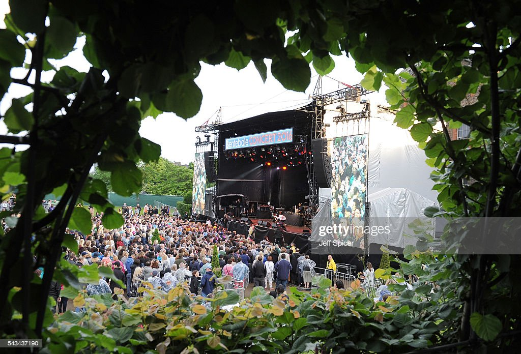 A general view of the stage ahead of the Sentebale Concert at Kensington Palace on June 28, 2016 in London, England. Sentebale was founded by Prince Harry and Prince Seeiso of Lesotho over ten years ago. It helps the vulnerable and HIV positive children of Lesotho and Botswana.