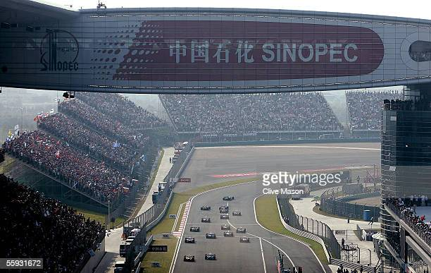 A general view of the start of the Chinese F1 Grand Prix at the Shanghai International Circuit on October 16 2005 in Shanghai China