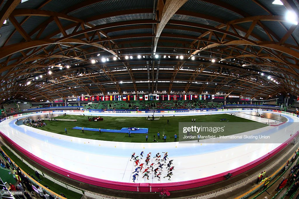 A general view of the start of the Women's Mass Start race on day 2 of the ISU Speed Skating World Cup at the Hamar Olympic Hall on February 1, 2015 in Hamar, Norway.