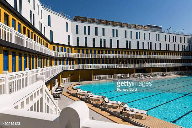 Piscine molitor stock photos and pictures getty images for Piscine molitor pool