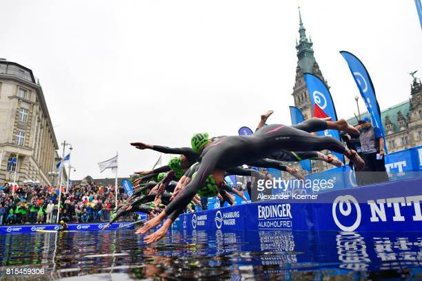 General view of the swim start of the Elite Mixed Relay at Hamburg Wasser ITU World Triathlon Championships 2017 on July 16 2017 in Hamburg Germany