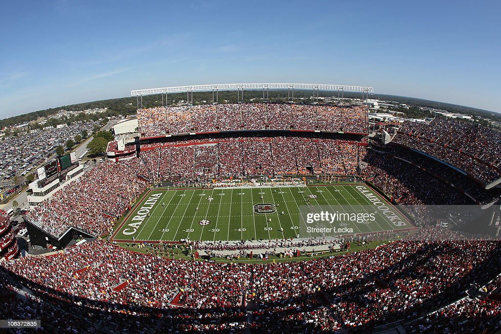A general view of the Tennessee Volunteers versus the South Carolina Gamecocks during their game at Williams-Brice Stadium on October 30, 2010 in Columbia, South Carolina.