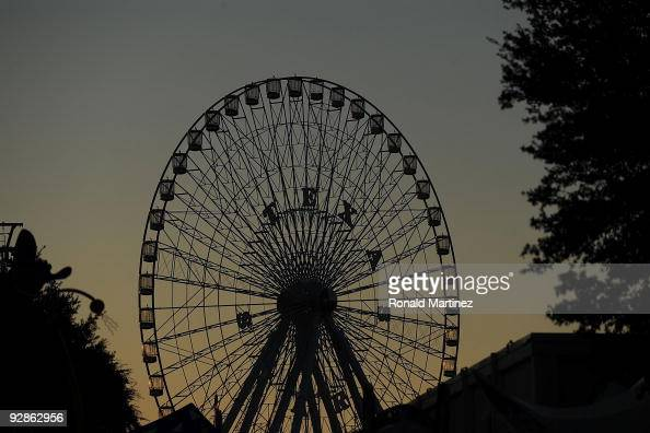 A general view of the Texas Star ferris wheel during a game between the Oklahoma Sooners and the Texas Longhorns at Cotton Bowl on October 17 2009 in...
