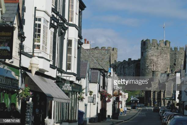 A general view of the town and the castle at Conwy North Wales July 1997 The castle a mediaeval fortress was built between 1283 and 1289 during King...