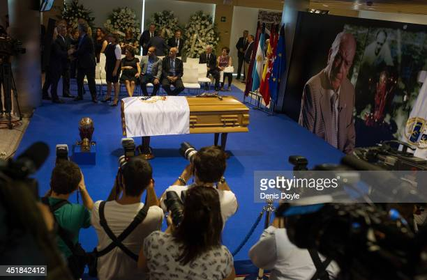 General view of the wake for former Real Madrid great Alfredo Di Stefano at the Santiago Bernabeu stadium on July 8 2014 in Madrid Spain Di Stefano...