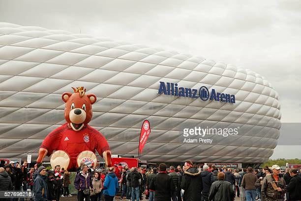 A general view outside the ground as fans gather prior to the UEFA Champions League semi final second leg match between FC Bayern Muenchen and Club...