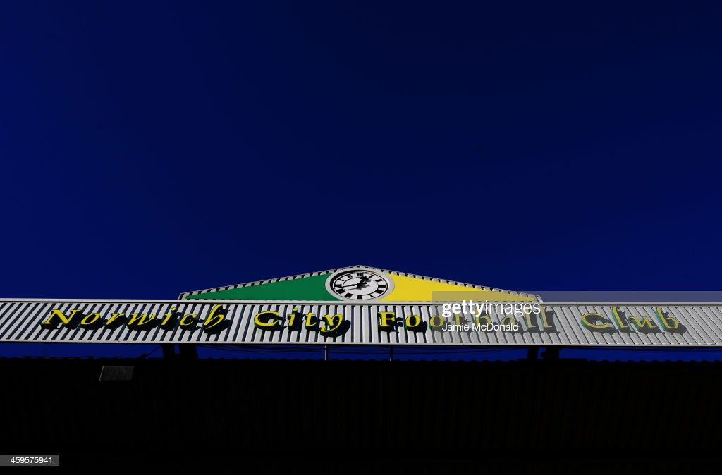 A general view prior to the Barclays Premier League match between Norwich City and Manchester United at Carrow Road on December 28, 2013 in Norwich, England.