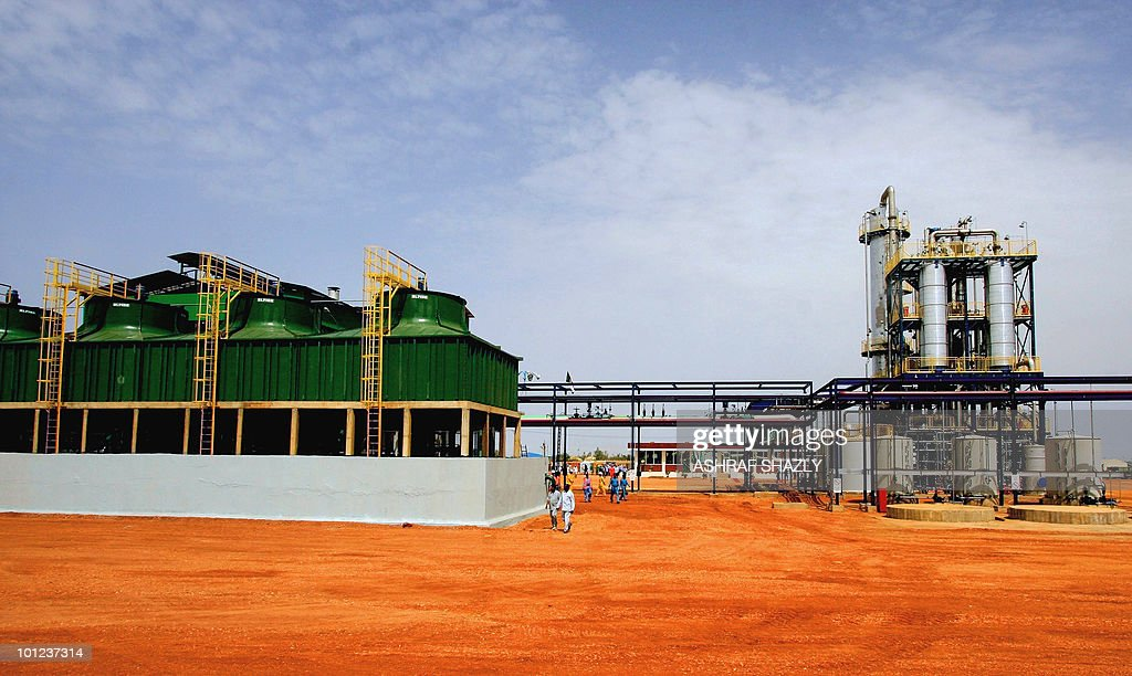 A general view show an ethanol plant in Kenana, 250 kms south of Khartoum, on June 10, 2009. Sudan will begin producing ethanol from sugar cane with a target of 200 million litres in two years, President Omar al-Beshir said at the inauguration of the new plant.