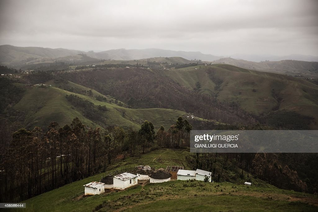 A general view shows a settlement in the rural KwaZulu Natal province on the outskirts ot Eshowe South Africa on November 7 2014 AFP PHOTO/GIANLUIGI...