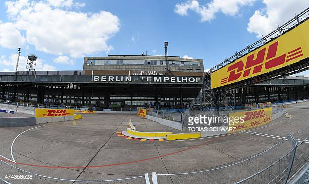 A general view shows part of the Formula E racetrack in front of of the former Tempelhof Airport in Berlin on May 22 2015 on the eve of the 2015 Fia...