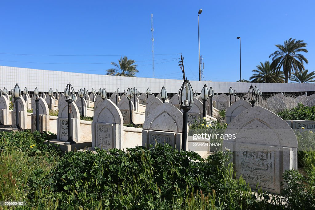 A general view shows the tombs of the victims of the bombing of a shelter in Ameriya in 1991, in Baghdad on February 13, 2016. The shelter was bombed by the allied forces during the 1991 Gulf War. Approximately 400 Iraqis perished in the attack. / AFP / SABAH ARAR