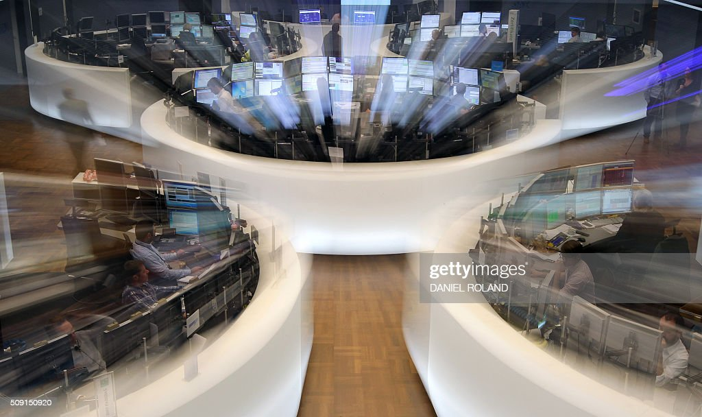 A general view shows while zooming the German stock exchange in Frankfurt, Germany, on February 9, 2016. / AFP / DANIEL ROLAND