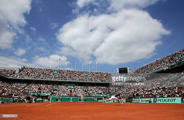 General view taken during the match between France's PaulHenri Mathieu and Spain's Rafael Nadal on the third round of the French tennis Open at...