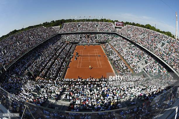 General view taken on June 6 2014 in Paris shows Great Britain's Andy Murray playing against Spain's Rafael Nadal during their French tennis Open...