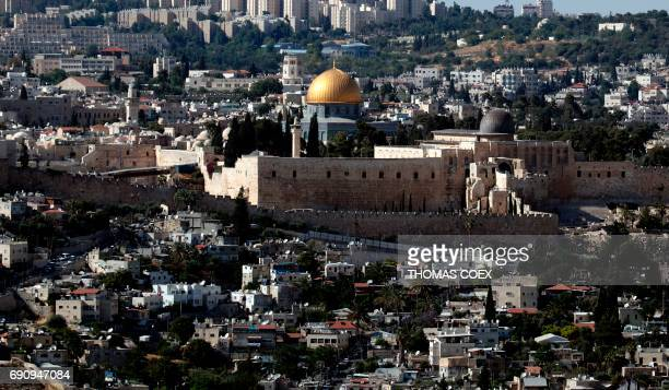 A general view taken on May 31 2017 shows the city of Jerusalem with the Western Wall the Dome of the Rock and the AlAqsa Mosque / AFP PHOTO / THOMAS...