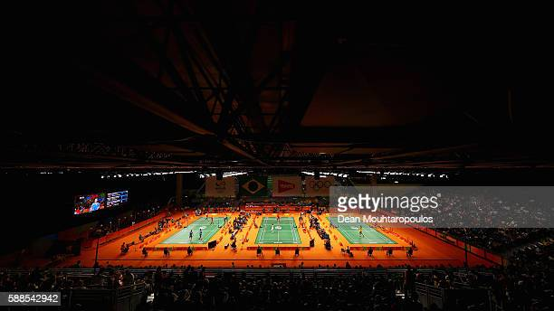 A general view with Long Chen of China competing against Niluka Karunaratne of Sri Lanka in t the centre court in the Mens Singles on Day 6 of the...