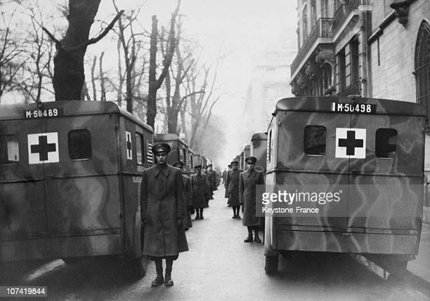 General Vue Of American Volunteer Ambulance Corps At Paris In France On 1940