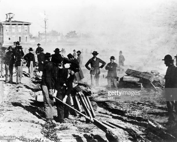 General William T Sherman's army leave Atlanta on its 'march to the sea' Sherman's men destroy the South's capacity to wage war by killing southern...