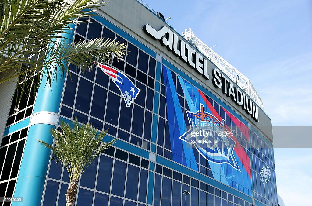 A generalview outside Alltel Stadium prior to the start of Super Bowl XXXIX at Alltel Stadium on January 31 2005 in Jacksonville Florida