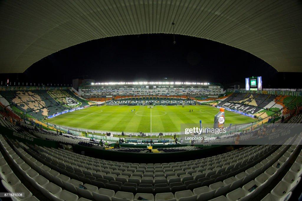 Leon v Tigres UANL - PlayoffsTorneo Apertura 2017 Liga MX