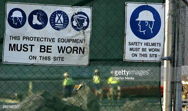 Generic safety signs on a construction site 29 August 2006 AFR Picture by PHIL CARRICK