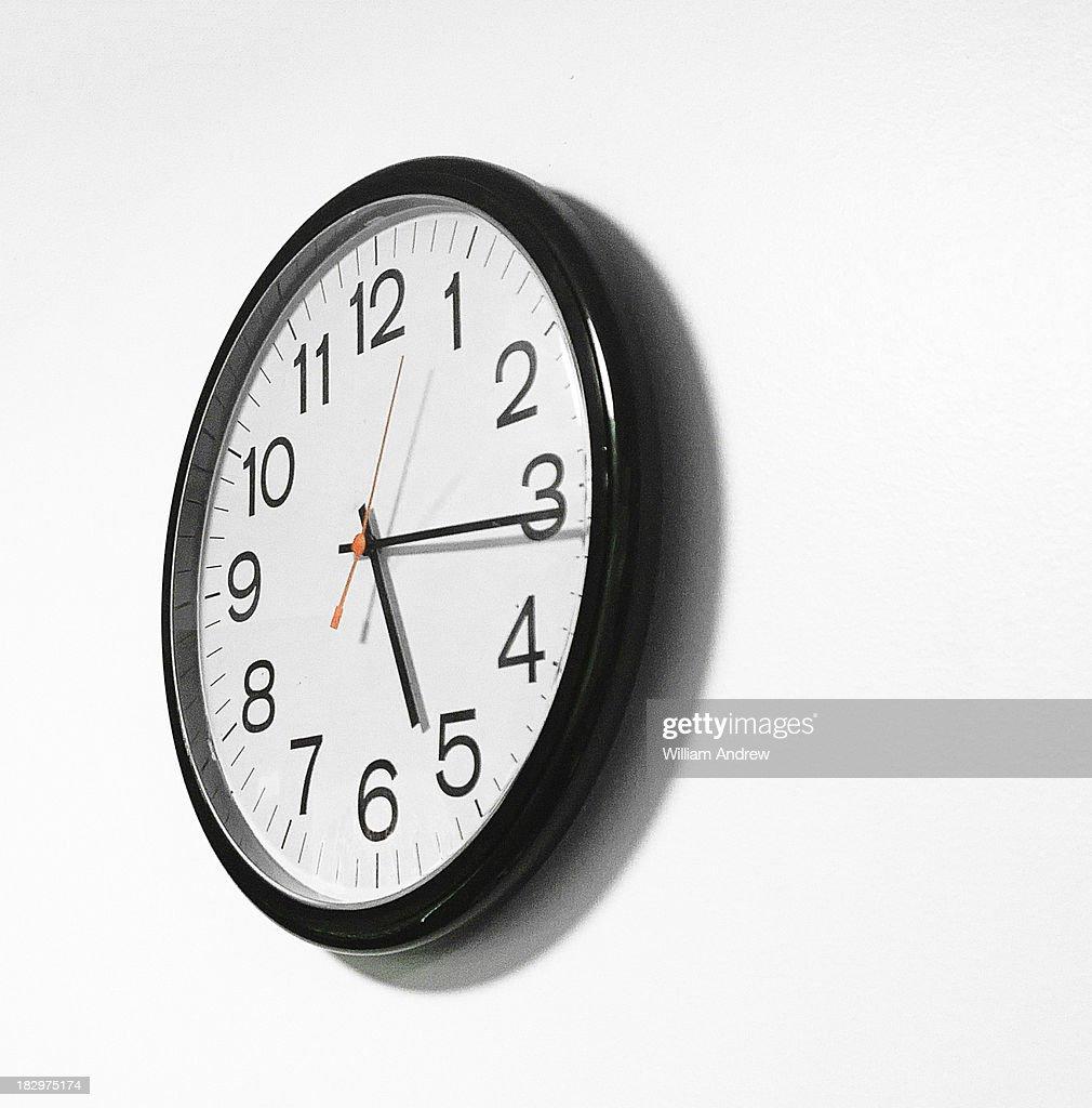 Generic wall clock