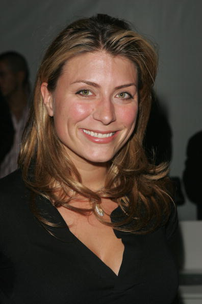 Genevieve Gorder Nude Photos 8