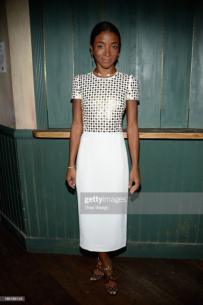 <a gi-track='captionPersonalityLinkClicked' href=/galleries/search?phrase=Genevieve+Jones&family=editorial&specificpeople=212813 ng-click='$event.stopPropagation()'>Genevieve Jones</a> attends Burberry Acoustic presents Tom O'Dell on September 9, 2013 in New York City.