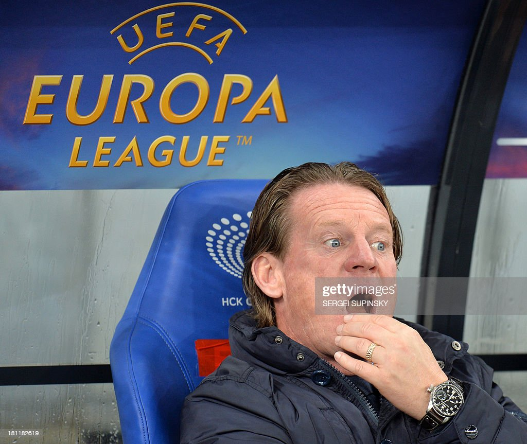 KRC Genk coach Mario Been gestures during the UEFA Europa League, Group G football match with FC Dynamo in Kiev on September 19, 2013.