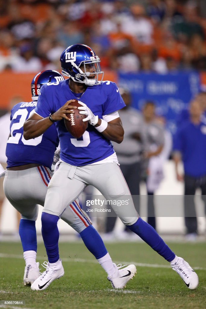 Geno Smith #3 of the New York Giants looks to pass against the Cleveland Browns in the second half of a preseason game at FirstEnergy Stadium on August 21, 2017 in Cleveland, Ohio.
