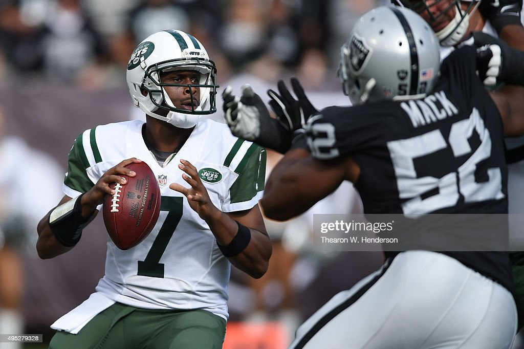 <a gi-track='captionPersonalityLinkClicked' href=/galleries/search?phrase=Geno+Smith&family=editorial&specificpeople=6379793 ng-click='$event.stopPropagation()'>Geno Smith</a> #7 of the New York Jets looks to pass against the Oakland Raiders during their NFL game at O.co Coliseum on November 1, 2015 in Oakland, California.