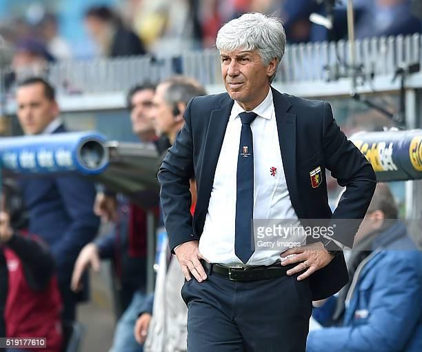 Genoa CFC head coach Gian Piero Gasperini looks on during the Serie A match between Genoa CFC and Frosinone Calcio at Stadio Luigi Ferraris on April...