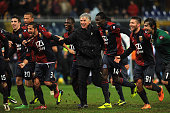 Genoa CFC head coach Gian Piero Gasperini with his players celebrate victory at the end of the Serie A match between Genoa CFC and FC Internazionale...